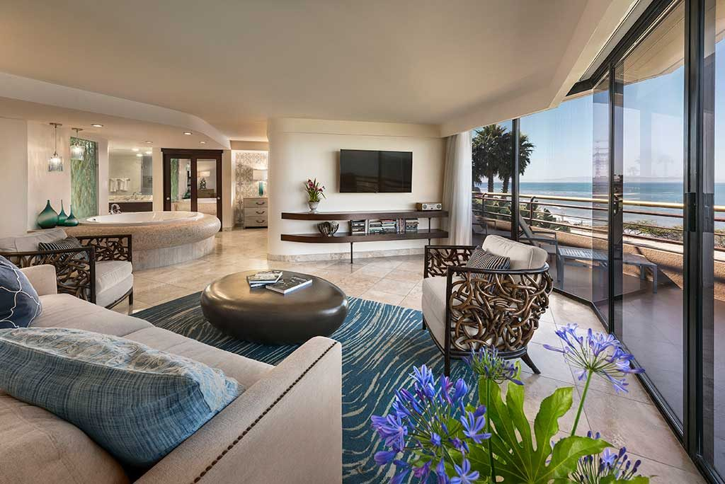 hotel_reservations_sunset_suite_living_room-1024x684